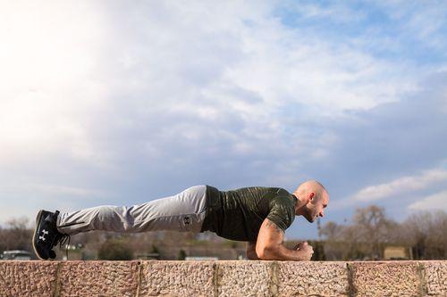 低強度の筋トレが健康や生産性(パフォーマンス)に及ぼす影響